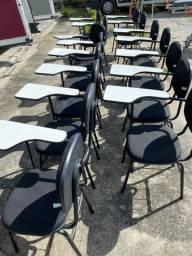 Cadeira escolar e auditorio com braço