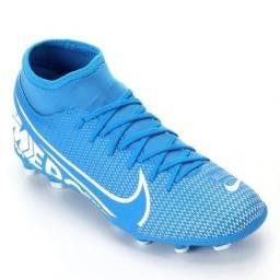 Vendo chuteira Nike para Campo