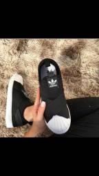 Adidas sliper on c/garantia 6 meses
