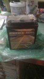 Bateria usada 7 volts P/ moto