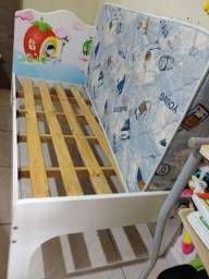 Cama infantil com colchão b