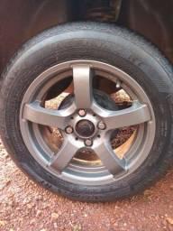 04 rodas 14 com pneus 1250,00