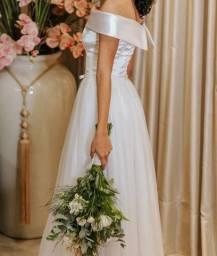 Vestido de noiva fluído e delicado veste P