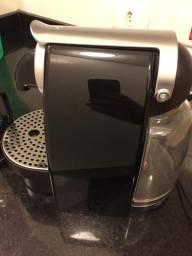 Cafeteira Nespresso + aerocino
