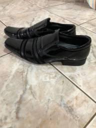 Sapato Masculino - Em verniz - Tamanho 41