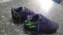 Vendo Chuteira Society Adidas número 31
