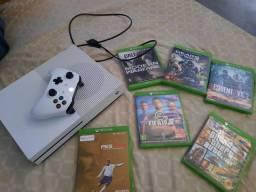 Vendo Xbox One S: 1800R$
