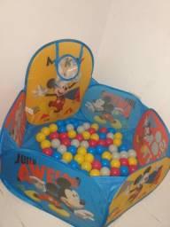 Piscina de Bolinha Mickey com Cesta - 100 Bolinhas<br><br>