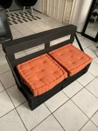 Sofa pallet + 2 almofadas