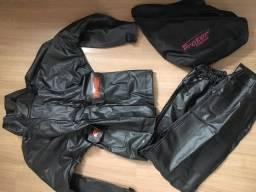 Capa de chuva feminino (calça e blusa) $150