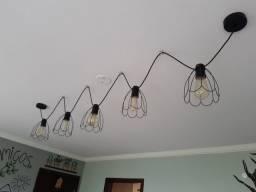Lustre aramado estilo rustico com lampadas