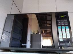 Microondas inox Panasonic modelo NN-GT6825 leiam........