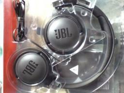 Vendo fone de ouvido JBL so foi testado por 150$ reais