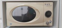 Microondas GE interior de inox