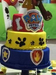 Painel em lona+ bolo fake