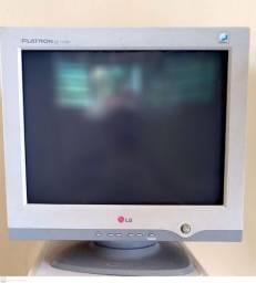 Monitor LG - Flatron (p/ consertar) -R$ 30 - aceito negociar