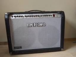 Amplificador Meteoro para guitarra