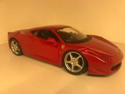 Miniatura Ferrari e caminhão Kibon