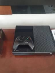 Xbox one semi novo + 11 jogos