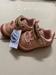 Tênis infantil feminino- marca oshkosh