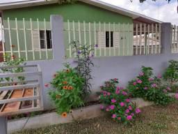 Casa simples e bem arejada em bairro tranquilo.