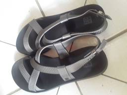Sandália da zax preta com cinza