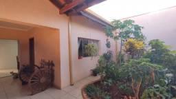 Casa c/03 dorms suíte no Santa Adélia em Limeira