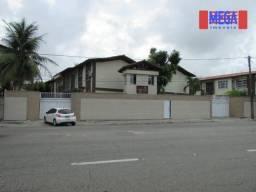 Apartamento com 3 quartos para alugar na Av. Luciano Carneiro