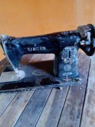 Máquina Singer antiga