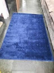 Vendo tapete peludo azul marinho