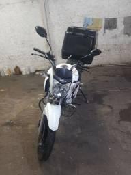 Vendo ou troco 160 cargo moto tá top toda revisada