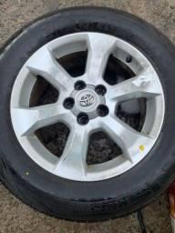 Jogo de rodas com pneus semi novos Toyota rav4