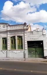 Vende-se casa no centro de Alagoinhas-Ba