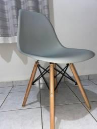 Cadeira Eiffel - muito resistente. Peça única