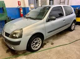 Renault Clio Authentique 1.0 16v 2004