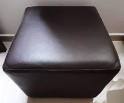 Puf Quadrado Marrom Couro Sintético 45x45cm Usado Ótimo Estado