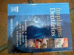 Livro novo de loja sobre Implantes Dentários