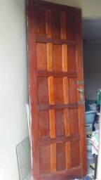Porta de madeira / aceito cartão