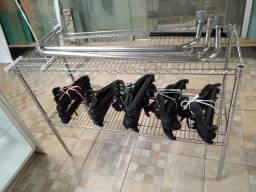 Expositor araras cabides para loja LEIA O ANÚNCIO