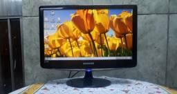 Monitor Samsung 19 semi novo com todos os cabos
