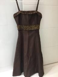 Vestido bordado pedraria