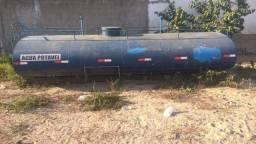 Tanque pipa com capacidade de 9200 litros de água