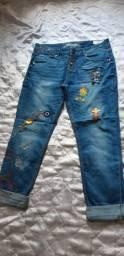 Calça jeans DESIGUAL com bordados e aplicações