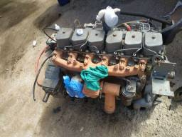 Vendo motor série b pouco tempo que foi feito parcial novo.zap *