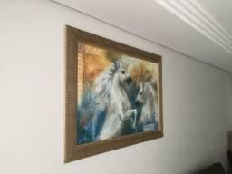 Lindo quadro em madeira para sala