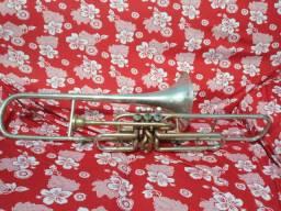 Vende trombone de pisto em Dó e em Si , por 600 reais