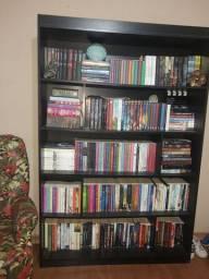 Estante de livros preta