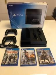 Playstation 4 Fat 500Gb com 3 jogos e 2 controles usado