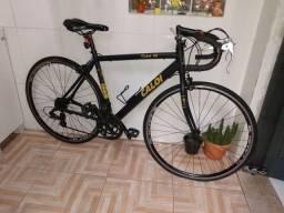 Vendo uma bicicleta Caloi 10 700 em ótimo estado de conservação