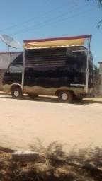 Vende se uma Kombi truk